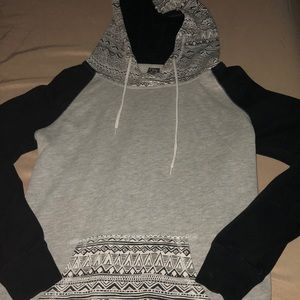 ZUMIEZ BLACK SILVER AND WHITE HOODIE 🖤
